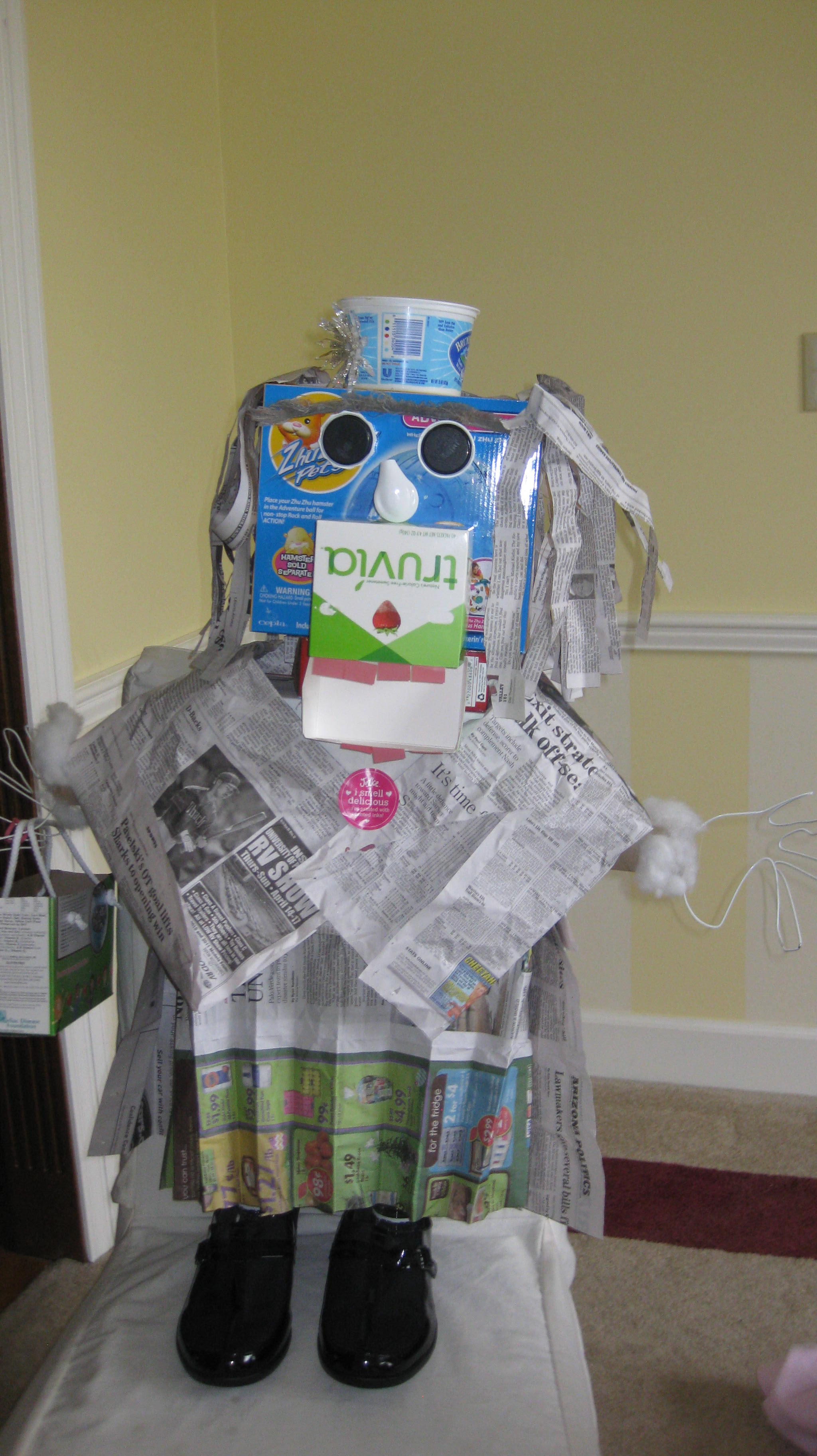 Family school projects recycling brains and hands to for Recycle project ideas